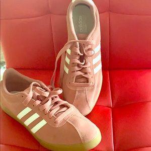 Adidas Gazelle Style Sneaker